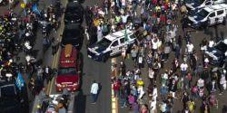 Cortejo com corpo de Bruno Covas deixa a Prefeitura e segue para Santos